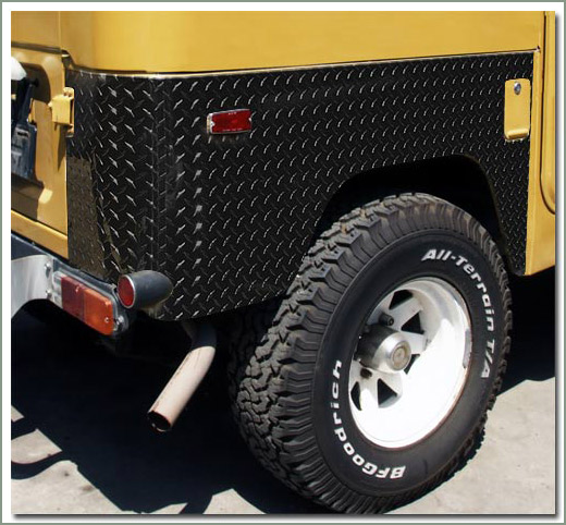 Page 238 Land Cruiser Aluminum Diamond Plate Quarter